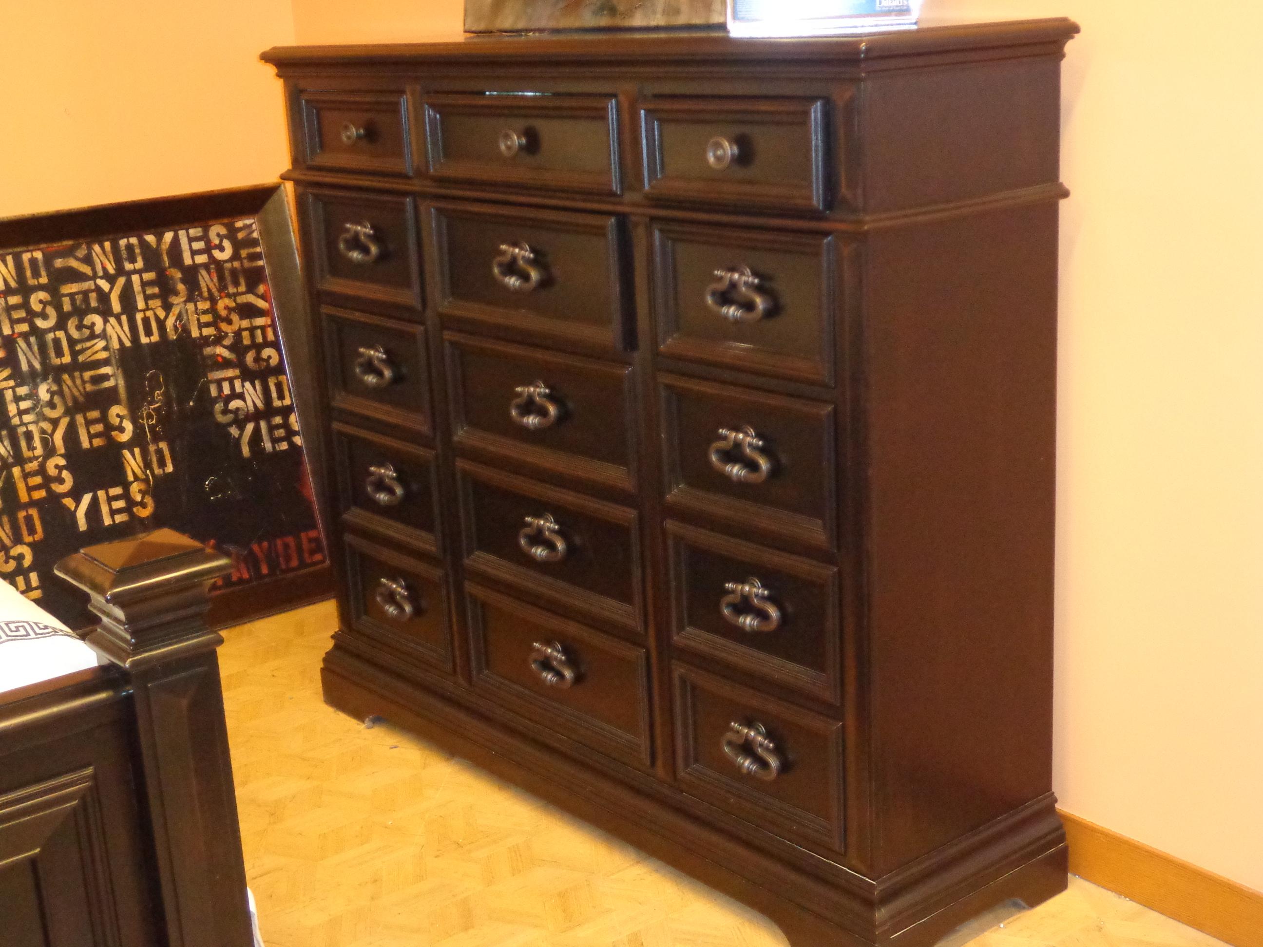 Image of: Pulaski Bedroom Dillard S Furniture